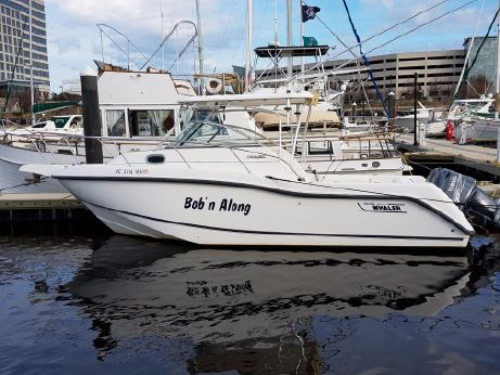 2002 Boston Whaler 255 Conquest