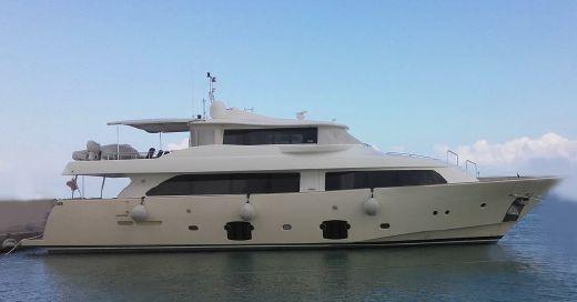 2008 Ferretti Yachts Custom Line 26