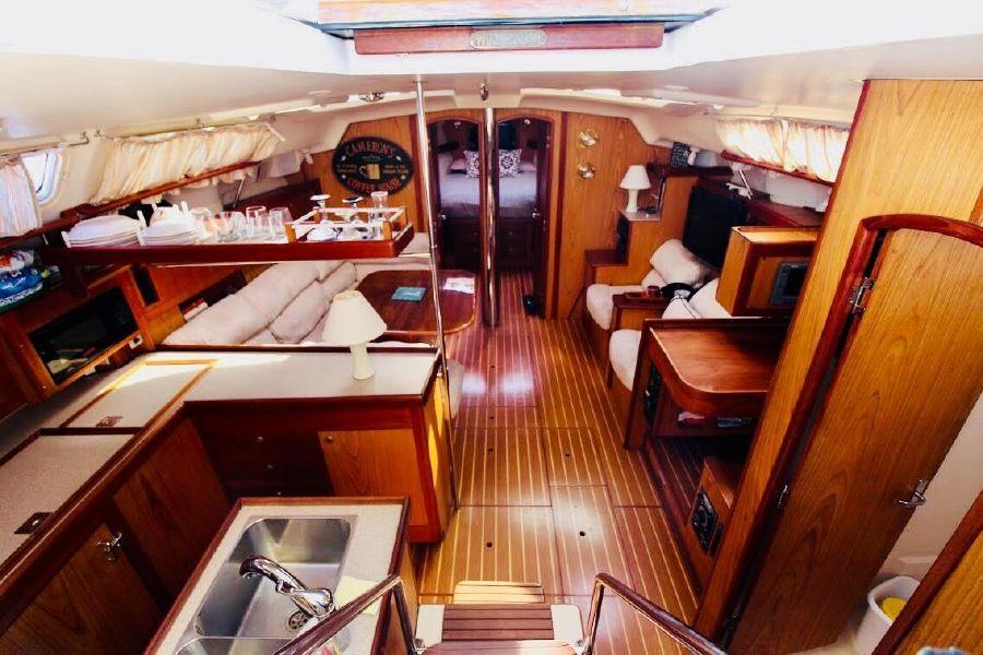 Hunter 460 Sailboat Salon