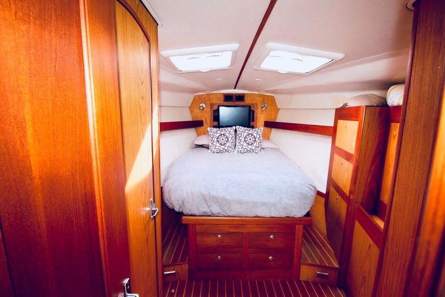 Hunter 460 Sailboat Master Cabin