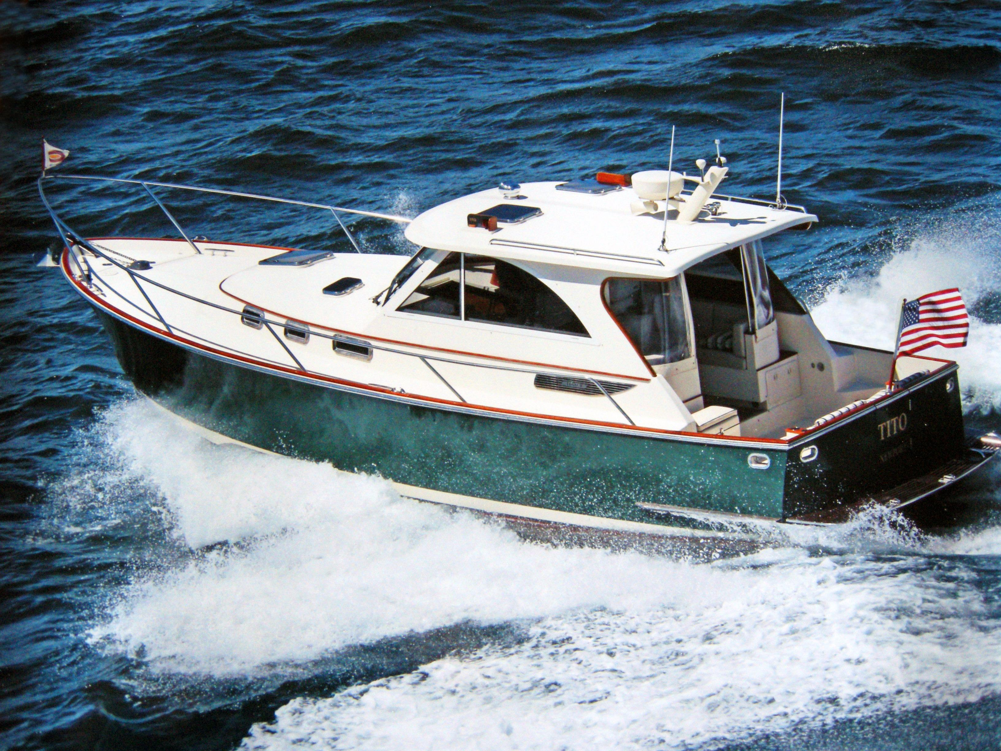 2007Legacy Yachts 32