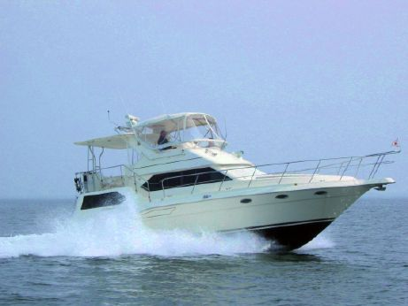 1996 Cruisers Yachts 3950
