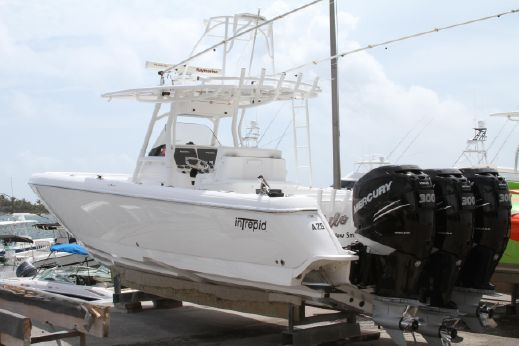 2011 Intrepid Center Console 327 TE w TRIP 300s