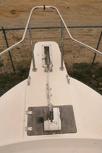 1993 boston whaler 23 walk around bow pulpit elec  anchor windlass