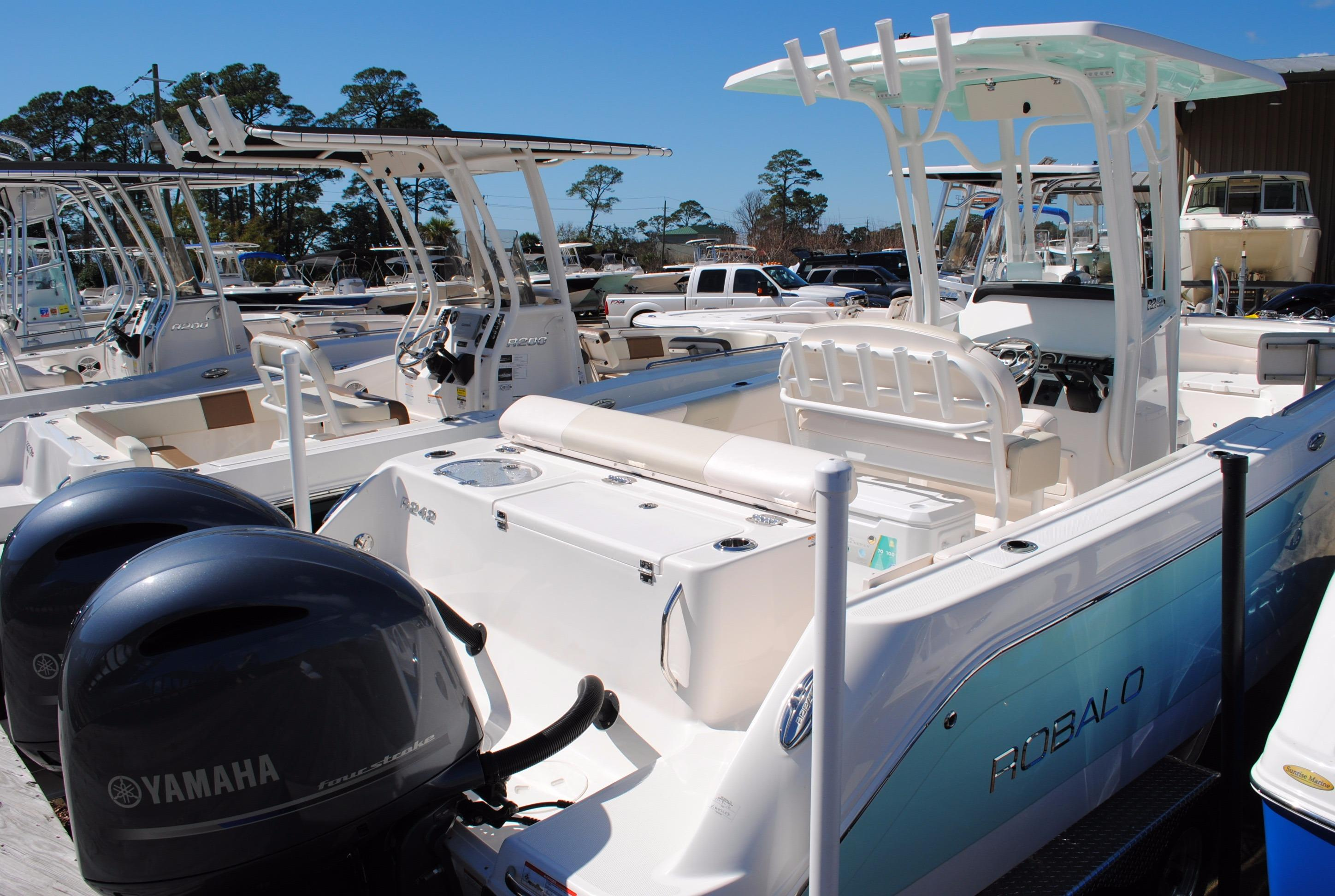 2017 Robalo 242 Center Console Power Boat For Sale