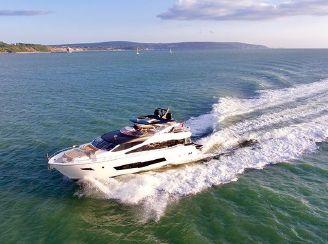 thumbnail photo 0: 2017 Sunseeker 86 Yacht