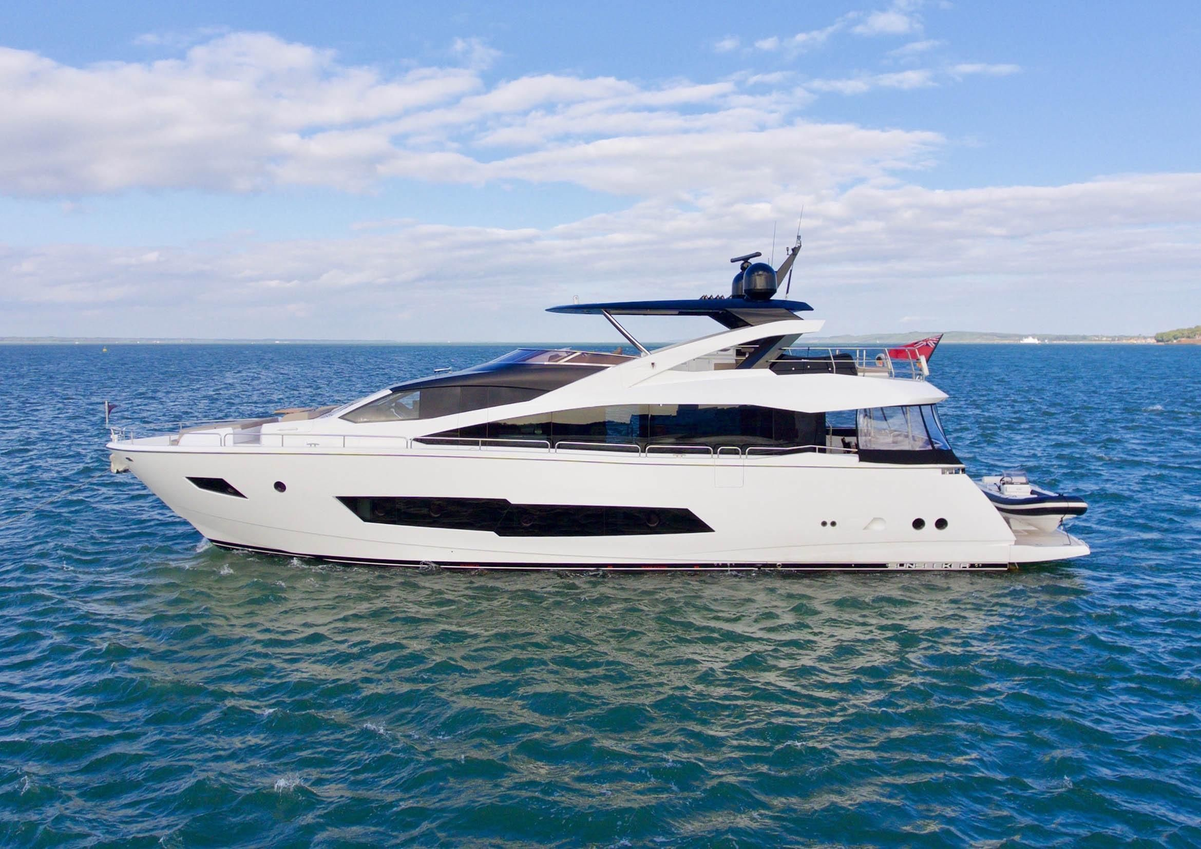 Mobile Porta Tv Con Audio Surround Integrato.2017 Sunseeker 86 Yacht Power New And Used Boats For Sale