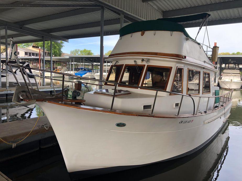 1982 chb 34 tri-cabin