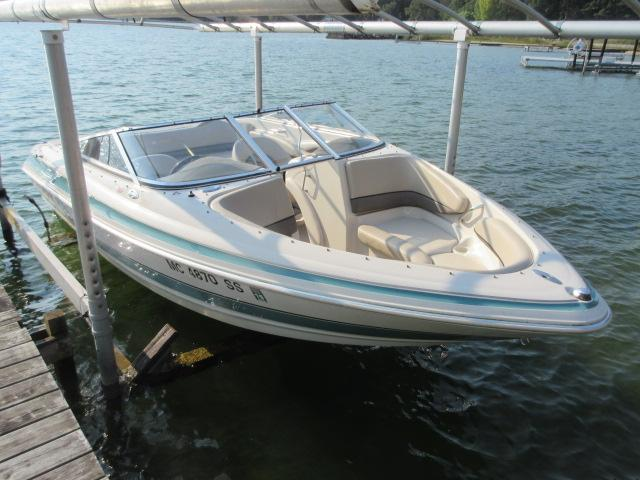 2003 larson lxi 190 power boat for sale www yachtworld com rh yachtworld com Larson Boat Decals Larson Boat Decals