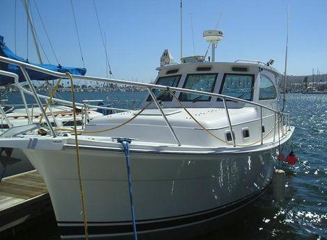 1999 Mainship Pilot 30 Sedan