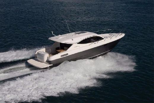 2017 Maritimo Yachts S43