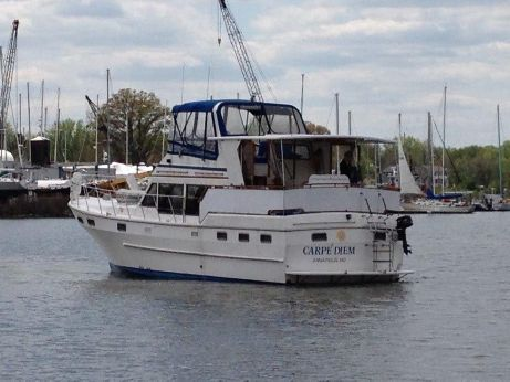 1985 Nova Sundeck Motor Yacht