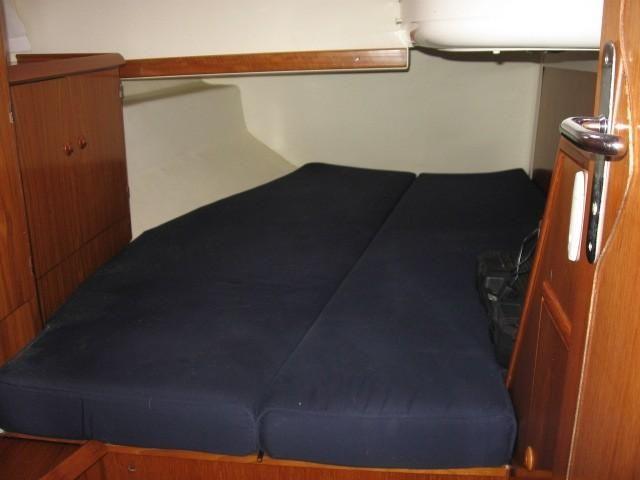 Jeanneau 45.2 Starboard Cabin