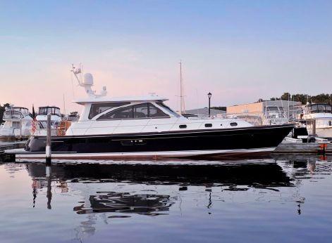 2012 Hunt Yachts 52