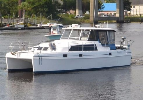 2000 Endeavour Catamaran Trawlercat 36
