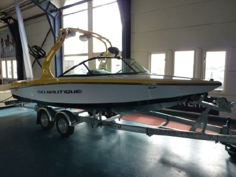 2013 Ski Nautique 200 Closed Bow