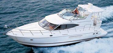 2003 Cruisers Yachts 4450 Express Motoryacht