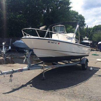 2012 Boston Whaler 190 Outrage with Trailer