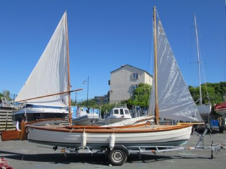 2002 Blackwater Sailing Canoe 24