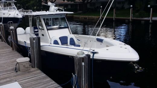 2014 Everglades 355T Center Console CLEAN and FAST