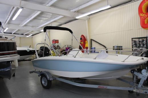 2016 Boston Whaler 150 Super Sport
