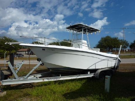 2003 Seaswirl 21' Center Console