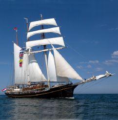 1937 Royal Tallship 3-mast sail schooner