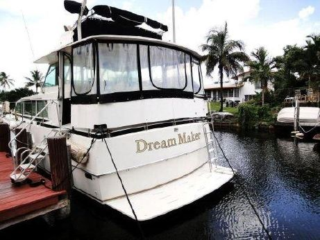1974 Bertram Flybridge Cruiser
