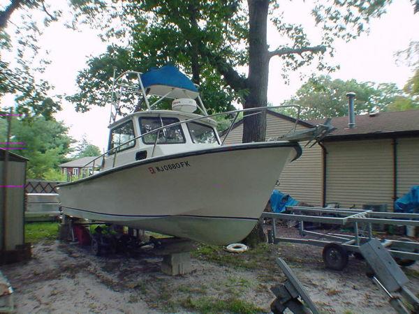 25 ft 1986 steiger craft cabin