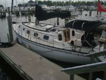 1981 Hunter Cheribini 36 Sloop