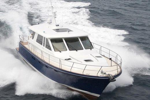 2017 Hunt Yachts 68