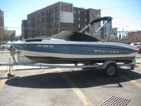 2011 Bayliner 215 Bowrider