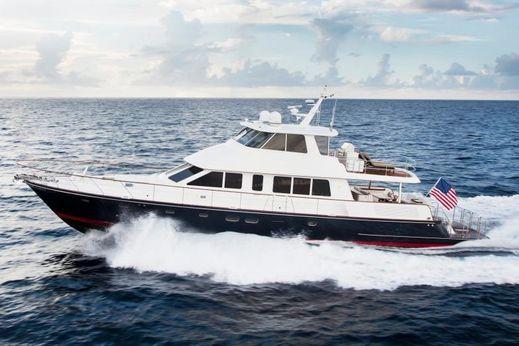 2017 Hunt Yachts 80