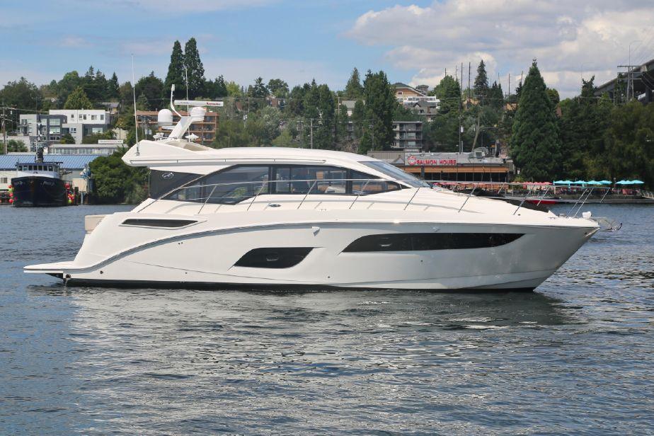 2019 Sea Ray Sundancer 460 Power Boat For Sale Www Yachtworld Com