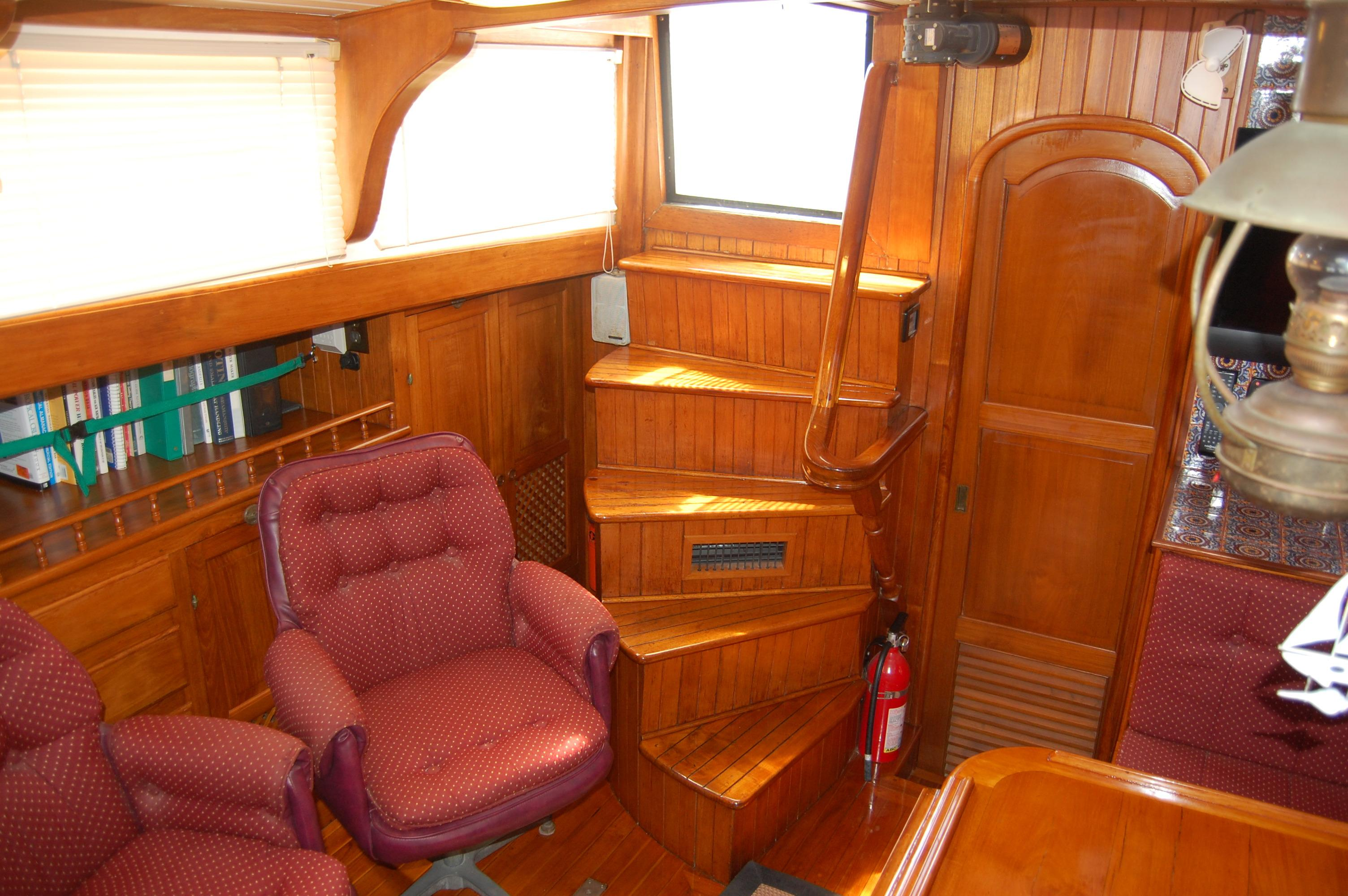 43' Spindrift Pilothouse Cutter+Photo 17