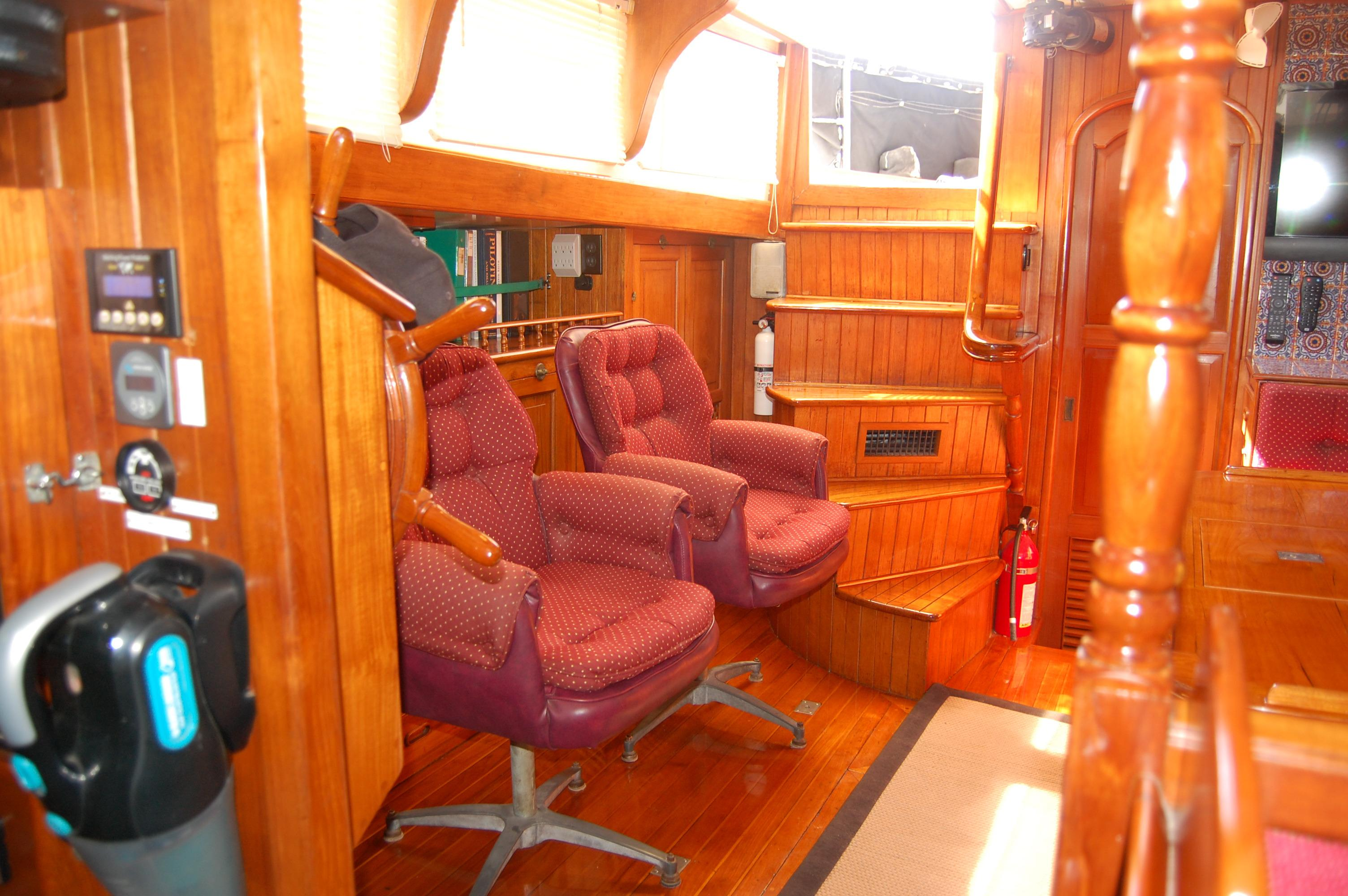 43' Spindrift Pilothouse Cutter+Photo 18