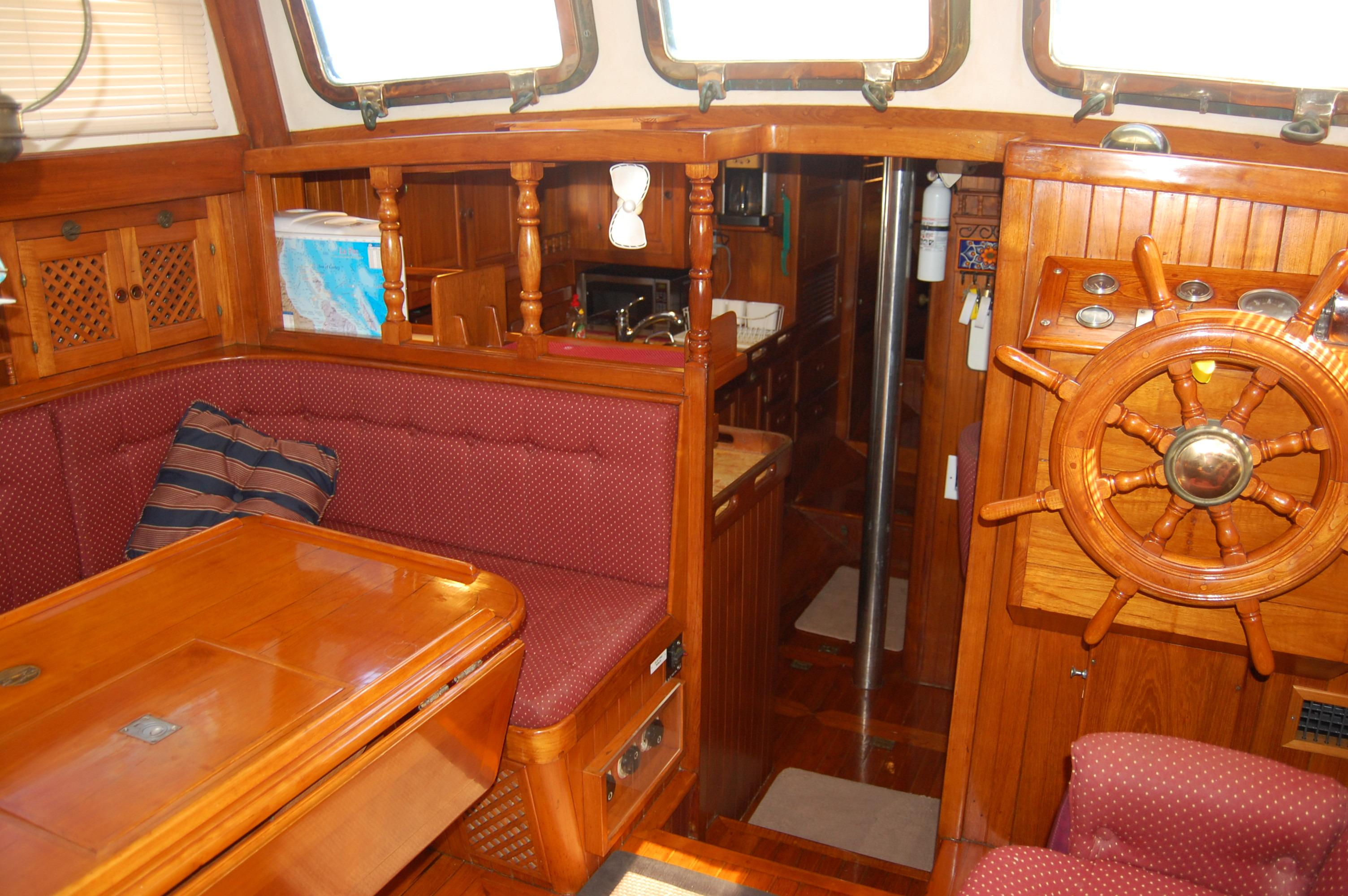 43' Spindrift Pilothouse Cutter+Photo 22