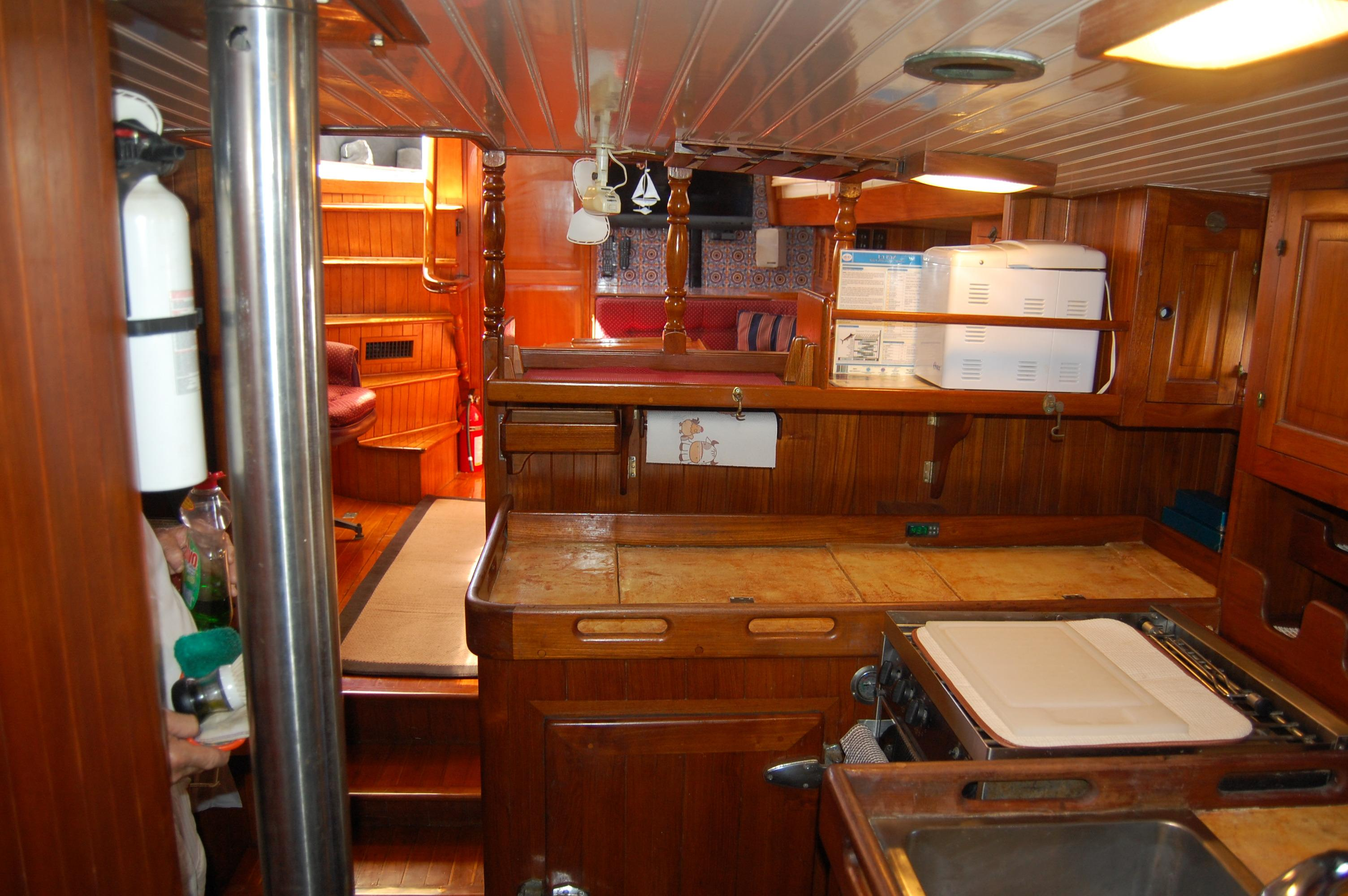 43' Spindrift Pilothouse Cutter+Photo 27