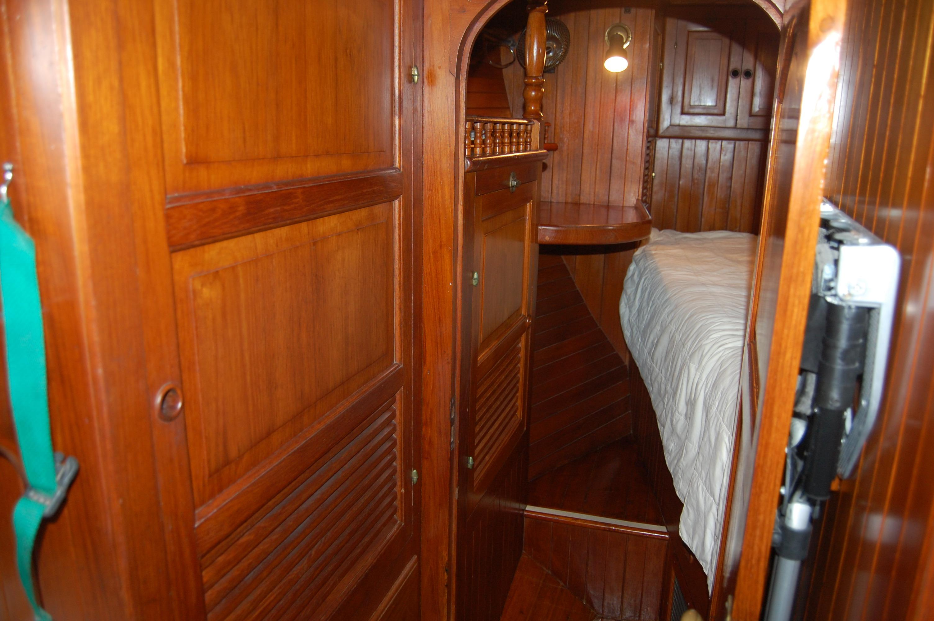 43' Spindrift Pilothouse Cutter+Photo 36