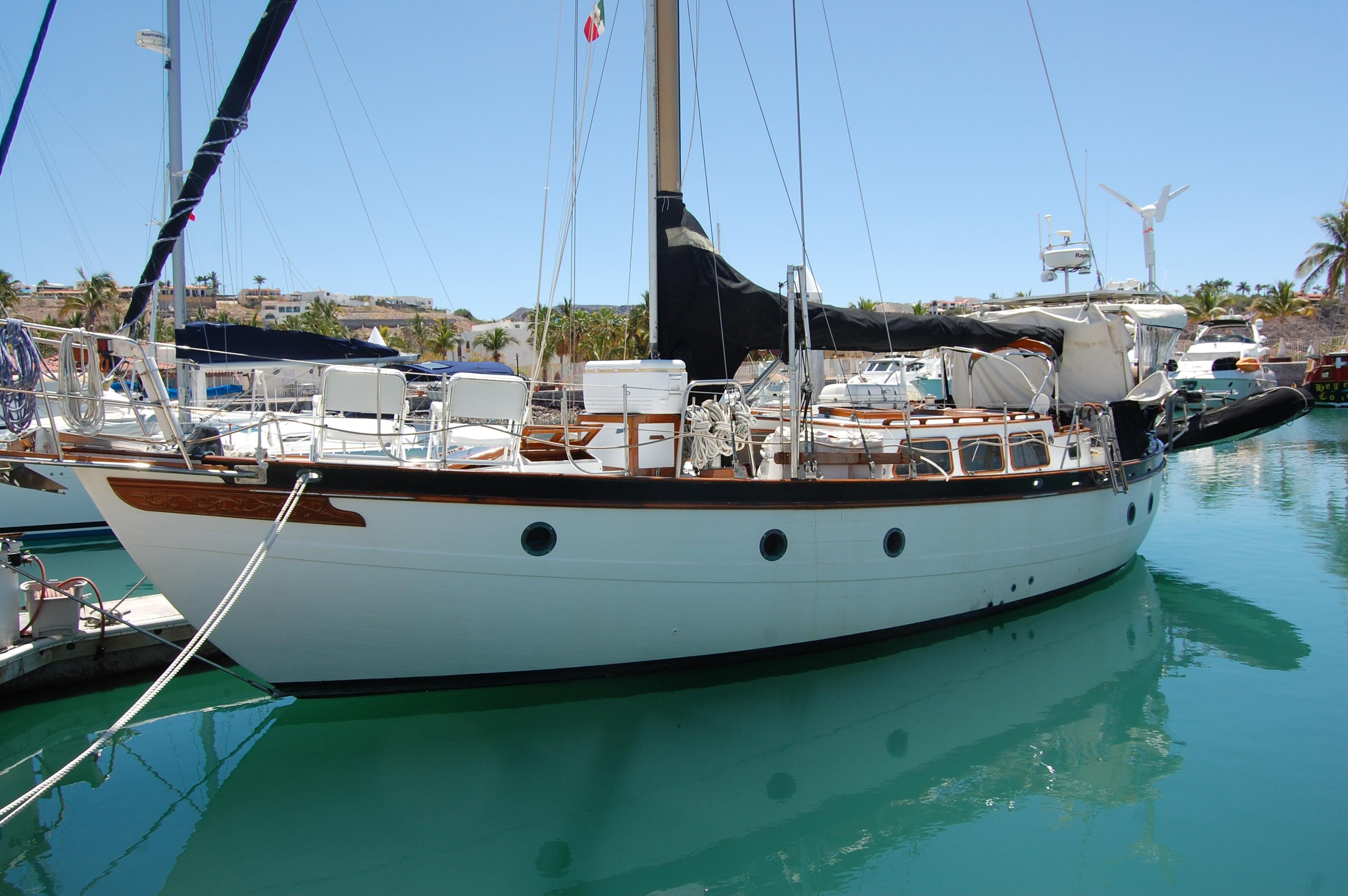 43' Spindrift Pilothouse Cutter+Photo 5
