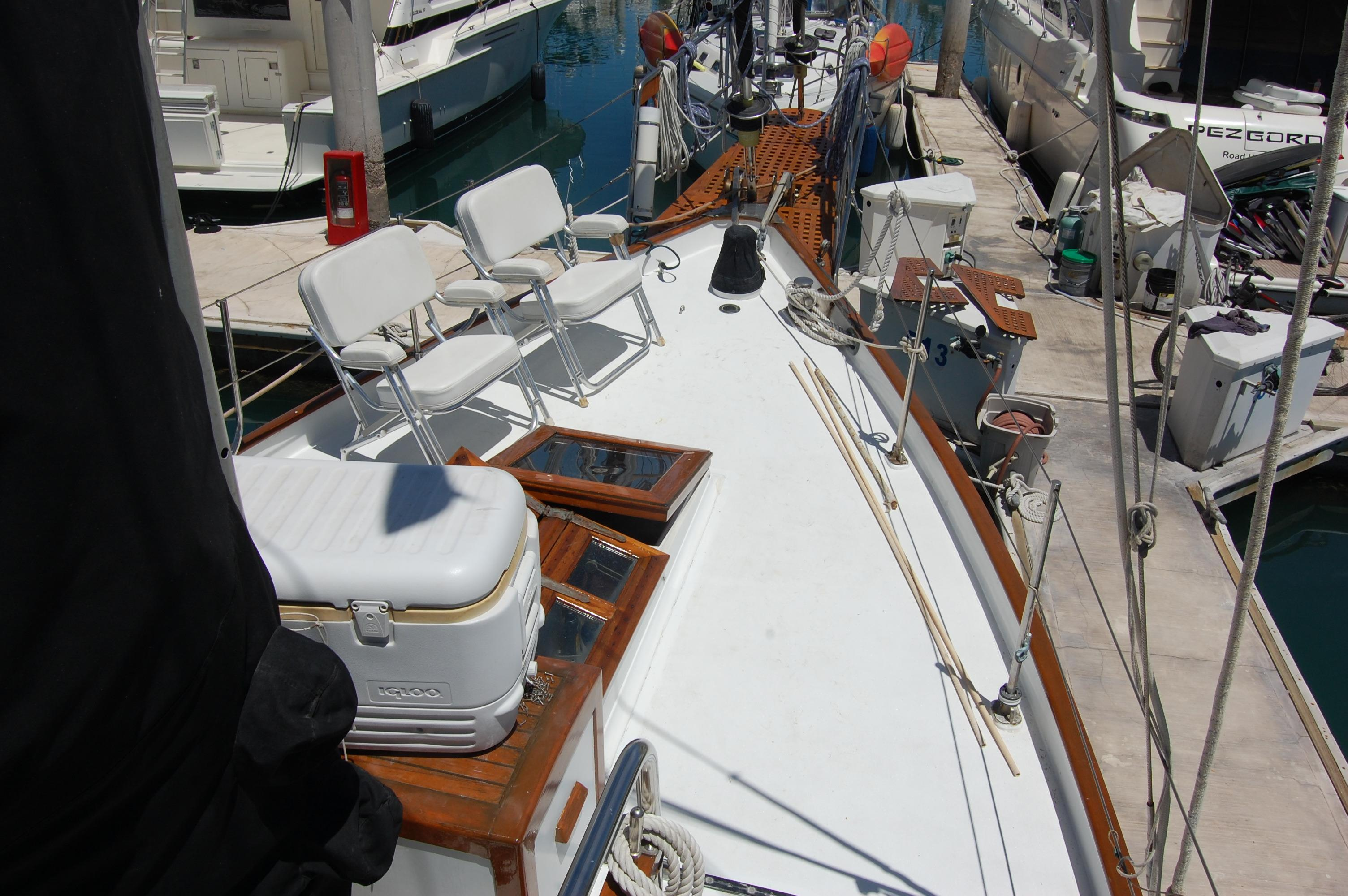 43' Spindrift Pilothouse Cutter+Photo 7