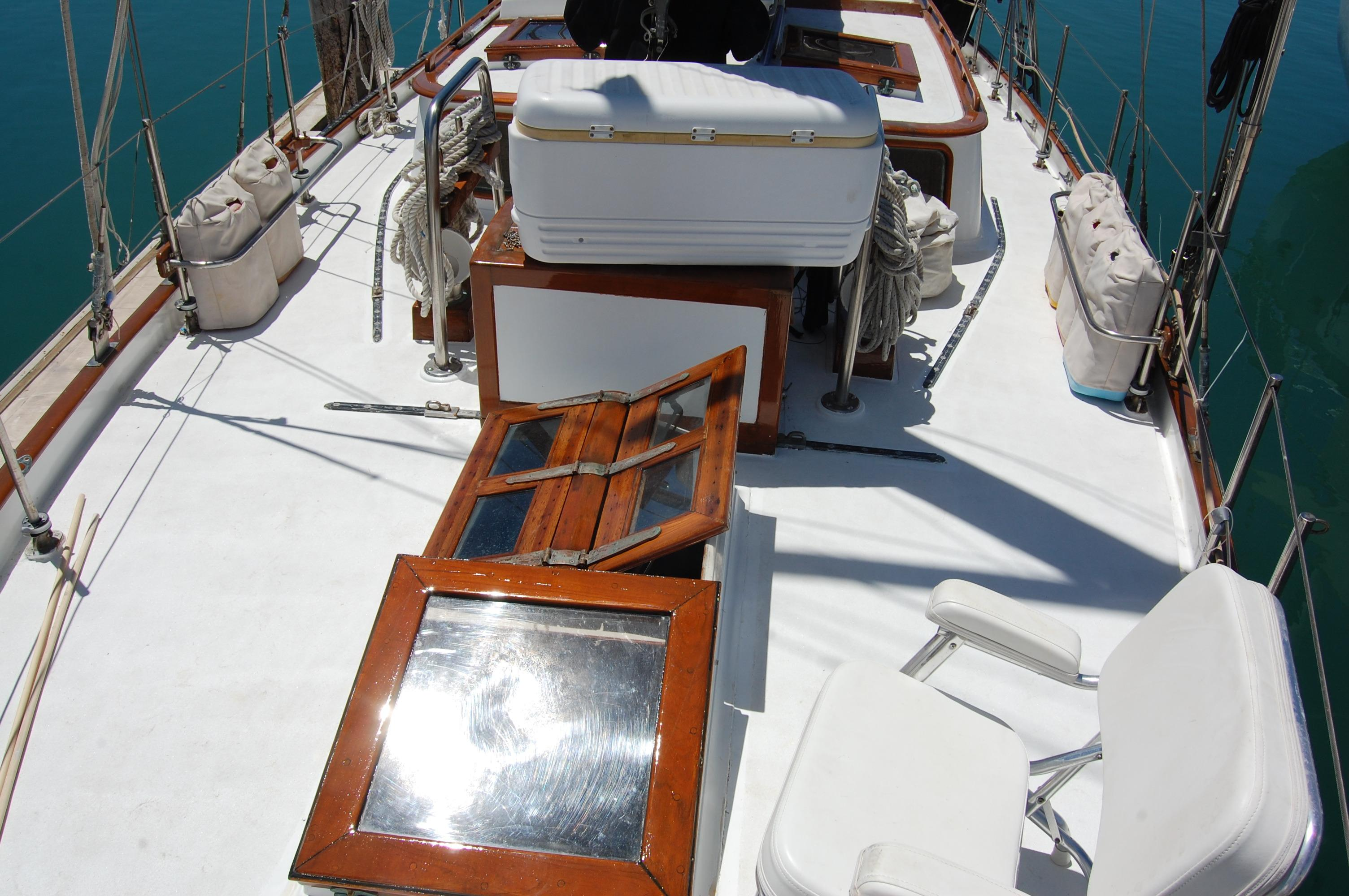 43' Spindrift Pilothouse Cutter+Photo 8