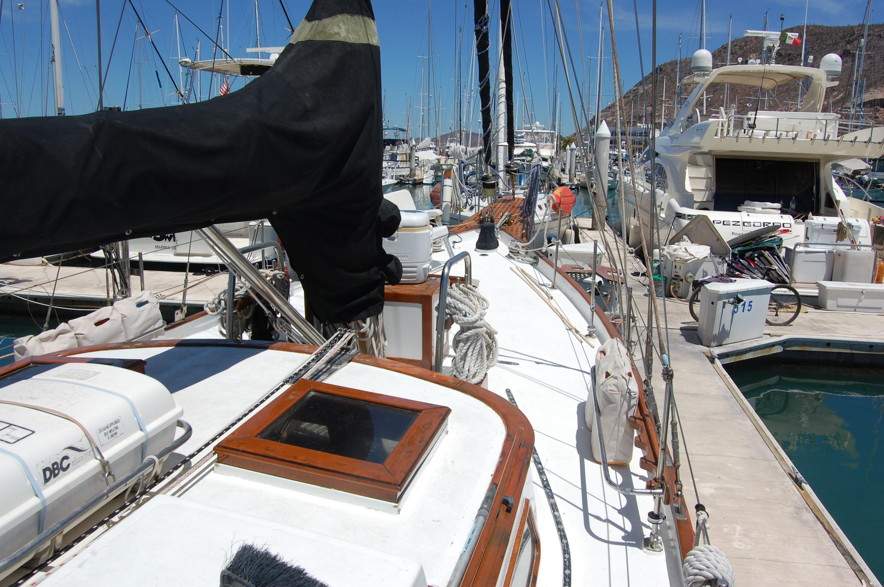 43' Spindrift Pilothouse Cutter+Photo 9