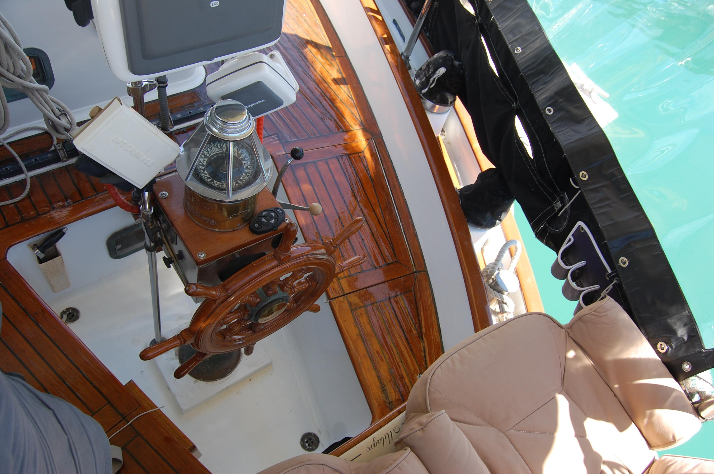 43' Spindrift Pilothouse Cutter+Photo 11