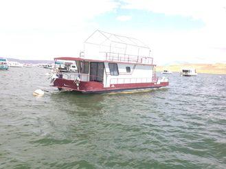 1987 Boatel Pontoon Houseboat