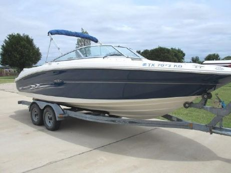 2004 Sea Ray 240 Select