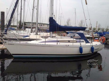 1989 Beneteau First 305