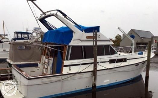 1986 bayliner 3870 motor yacht power boat for sale www for Moriches boat and motor