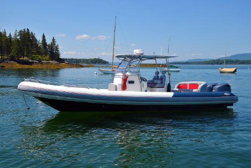 2011 Hunt Yachts HBI 30