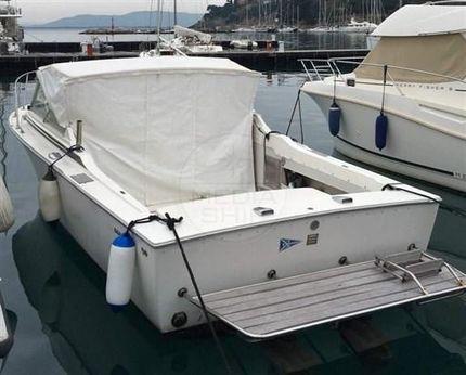 1976 Bertram Yachts Bertram 26 Moppie